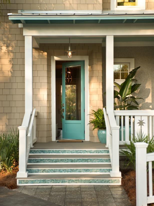 http://houseofturquoise.com/2013/04/hgtv-smart-home-2013.html
