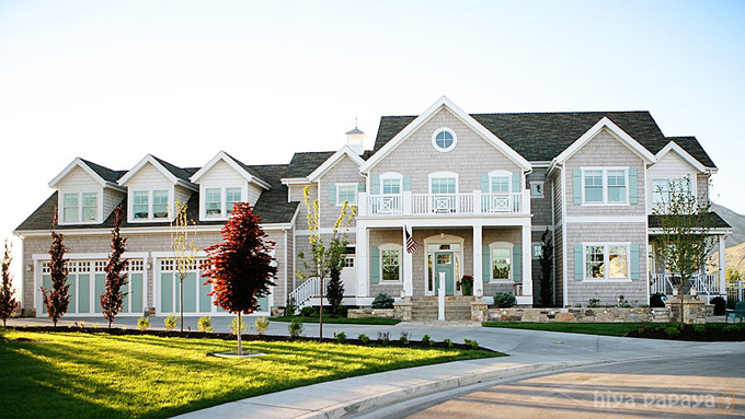 http://houseofturquoise.com/2011/06/day-one-dream-home-tour.html