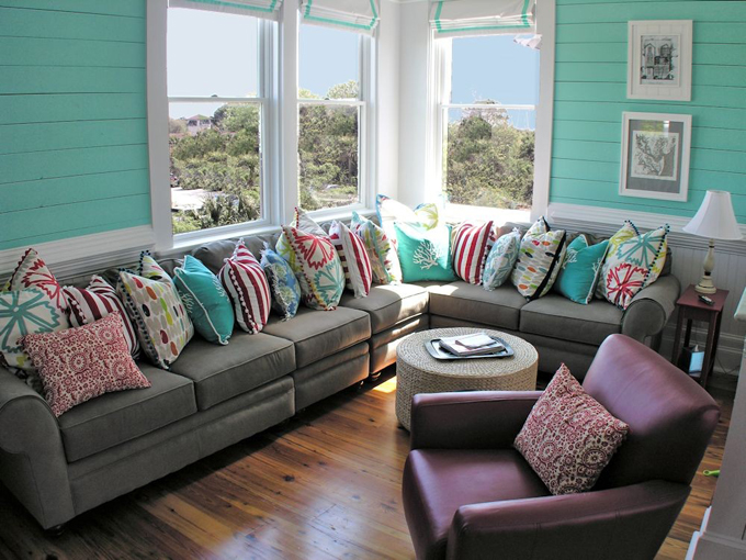 House of Turquoise:  Annie Laurie Cottage