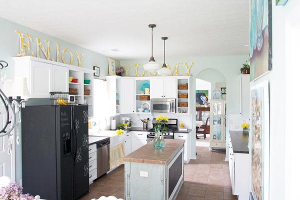 https://houseofturquoise.com/2013/02/the-handmade-home-tour.html
